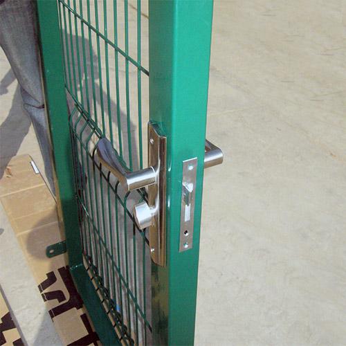 Fence-gate1